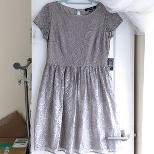 NWT FOREVER 21 GRAY LACE DRESS SIZE MEDIUM